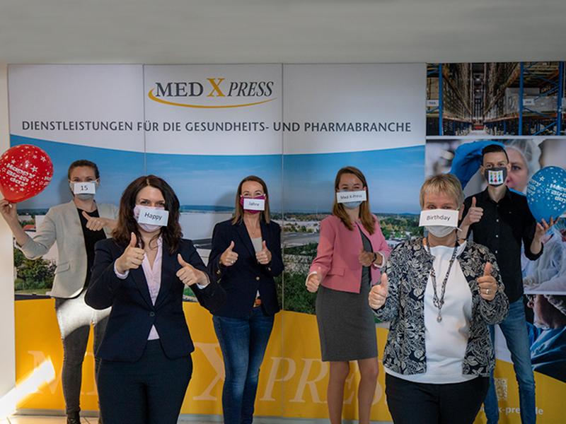 Die Med-X-Press Mitarbeiter gratulieren herzlich